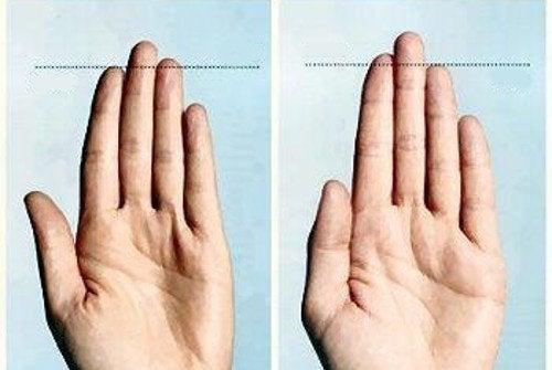 udându- se între degete
